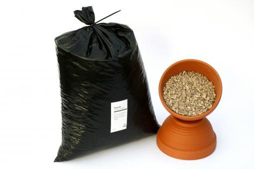 Travertin gravel 2 - 8 mm 5 l